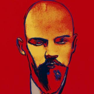 Red Lenin, FS II.403, 1987 Farbsiebdruck auf Arches 88 Papier Maße: 100 x 74,6 cm (39 3/8 x 29 3/9 Inch) Edition: 120 Stück (24 AP, 6 PP, 10 HC) Rückseitig mit Bleistift vom Exekutor der Andy Warhol Estate, Frederick W. Hughes signiert und nummeriert